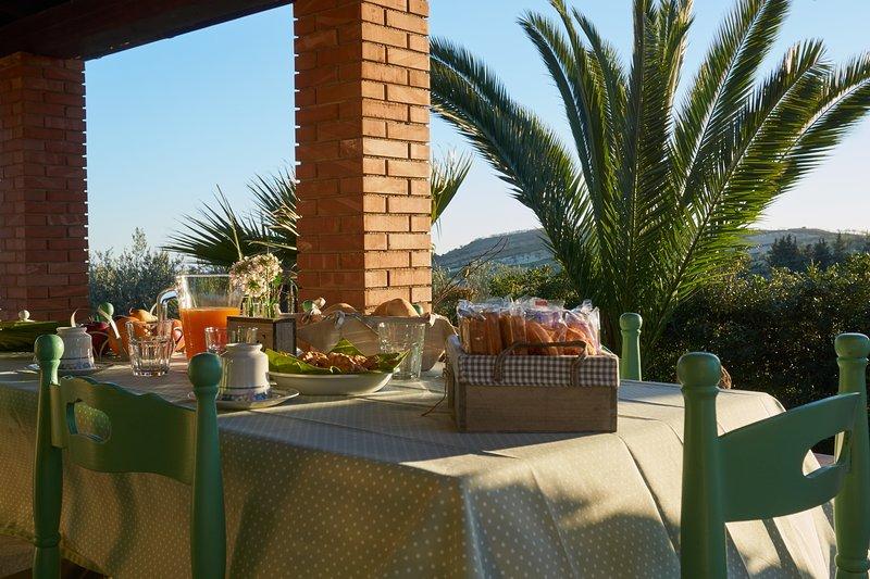 Casa di campagna vicino Piazza Armerina, Valle dei Templi, Enna e Caltagirone, holiday rental in Mazzarino