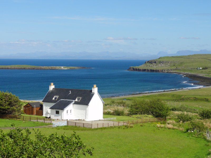 Driftwood cottage Skye - 2 bedroom, close to Quiriang & Storr -  Isle of Skye, holiday rental in Waternish