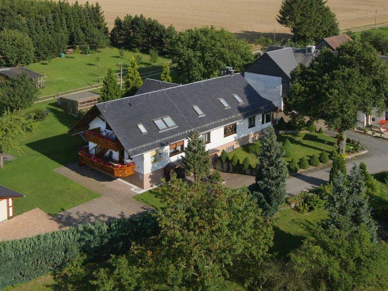 Ferienhaus Richter, Fewo Linde, location de vacances à Oppurg