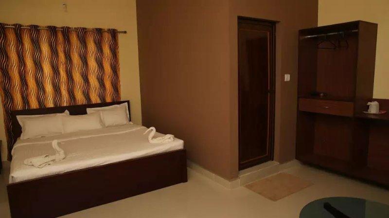 TripThrill Palm Era Standard Villa 1, holiday rental in Kushalnagar