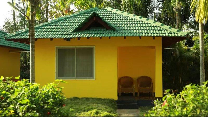 TripThrill Palm Era Standard Villa2, holiday rental in Kushalnagar