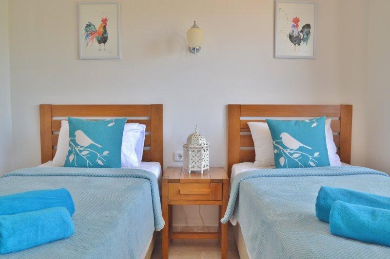 chambre double spacieuse et confortable avec salle de bains