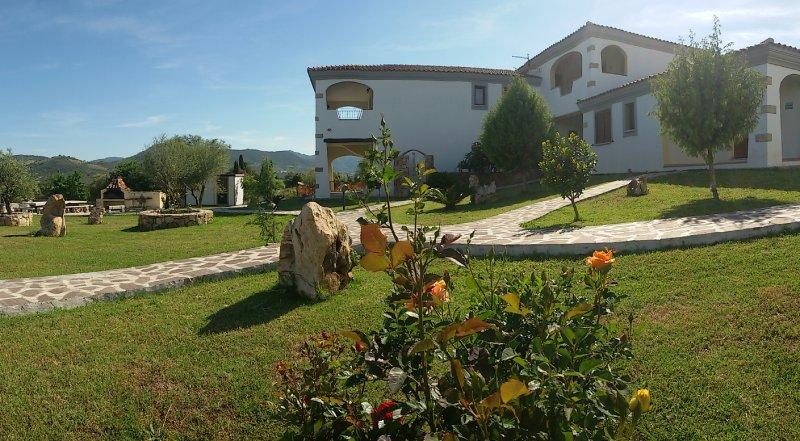CASA VACANZE BUDONI -monolocale Li Cuppulati-, casa vacanza a Malamurì