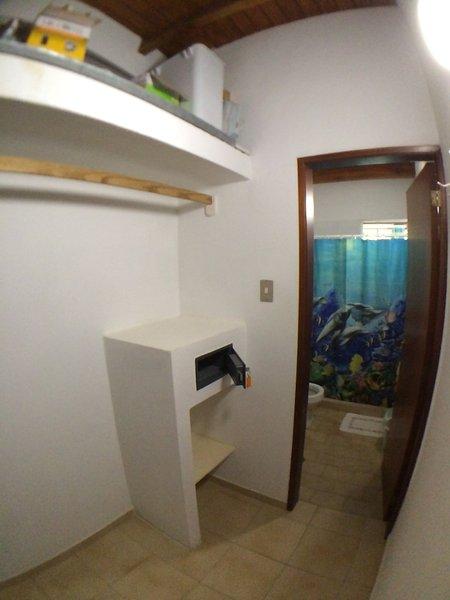 El documento de seguridad en el cambio dormitorio principal habitación / armario.