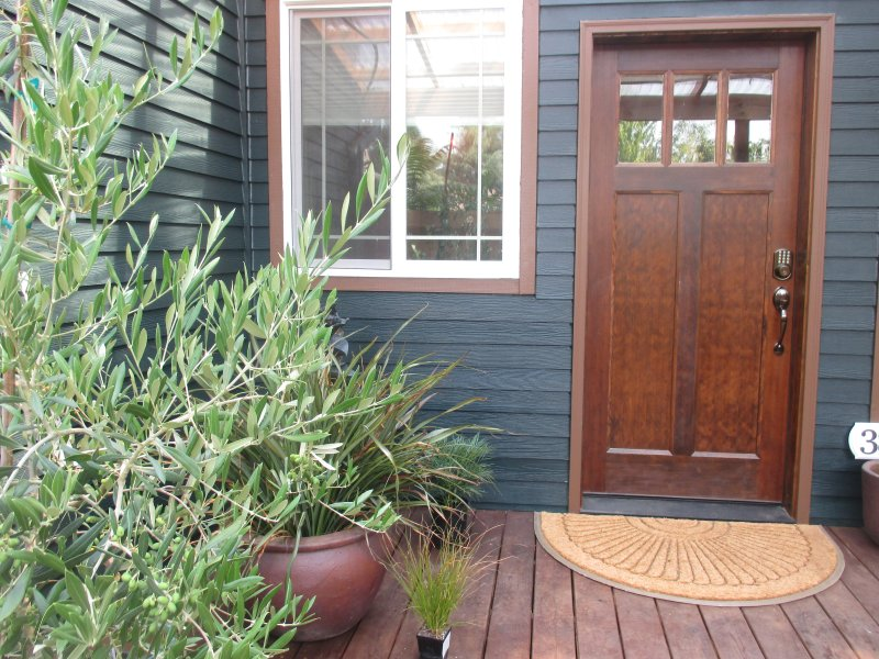 Guest House Entry Door, Keycode for convenient entry