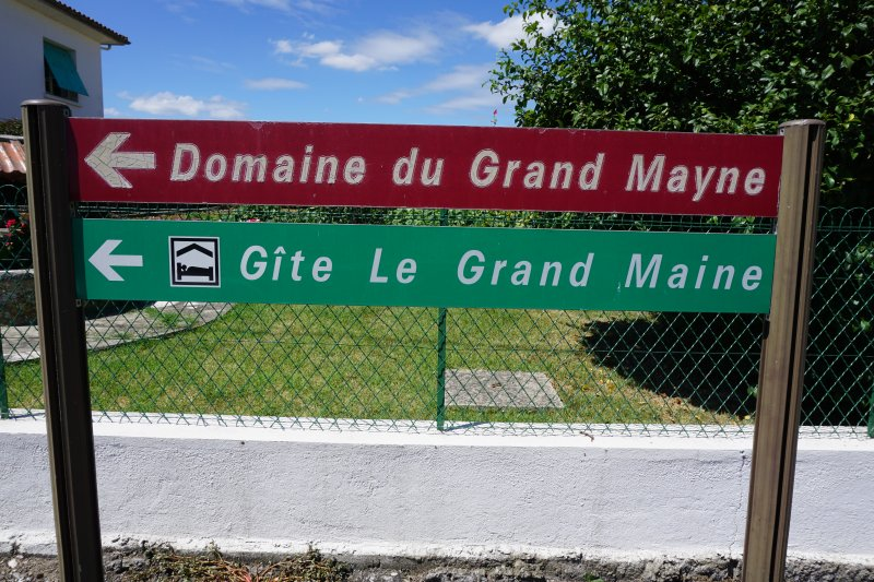 Direction from Villeneuve de Duras, we are next door to Grand Mayne Vineyard