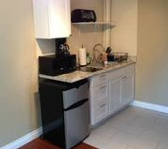 1787 Small 1 Bedroom Near UCLA Restaurants shops Grocery buses on Westwood Blvd, holiday rental in Pope Valley