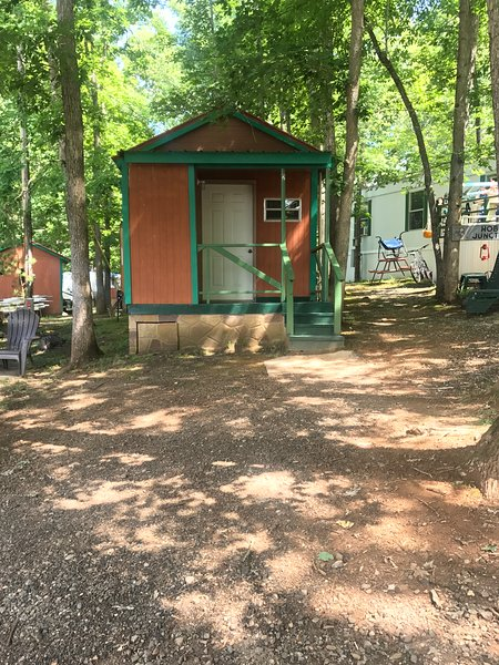 Std Cabin #2, holiday rental in Cherokee