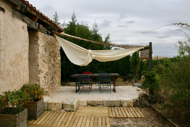 Domain La Tasque Gîte renovated with charm in the undulating hills of Gascogny, vacation rental in Saint-Clar
