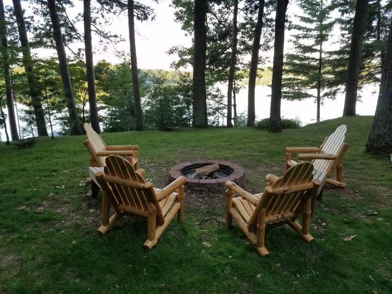 Rare offering: Private Vacation Rental Home on Lake Tomahawk near Minocqua!, holiday rental in Harshaw