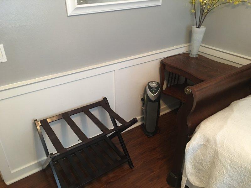 Kamer heeft een krachtige luchtreiniging met echte HEPA-filter, lucht ontsmettingsmiddel en allergeen verloopstuk.