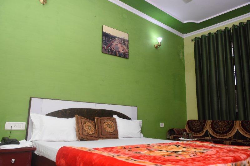 R K HOME STAY 2, casa vacanza a Agra