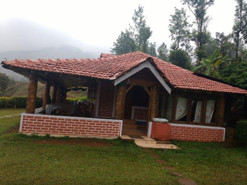 TripThrill Kings Cottage1, alquiler de vacaciones en Bhagamandala
