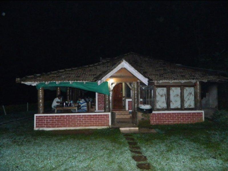 TripThrill Kings Cottage4, alquiler de vacaciones en Bhagamandala