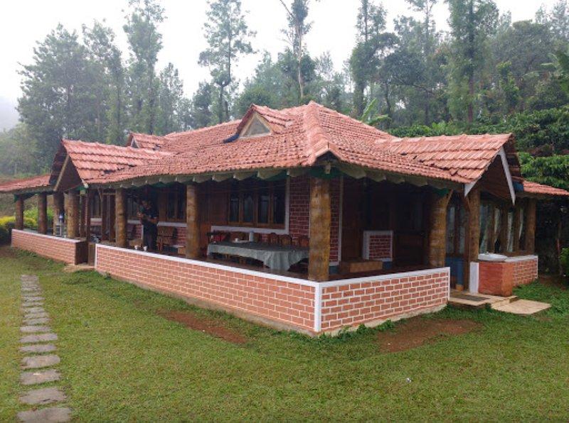 TripThrill Kings Cottage 5, alquiler de vacaciones en Bhagamandala