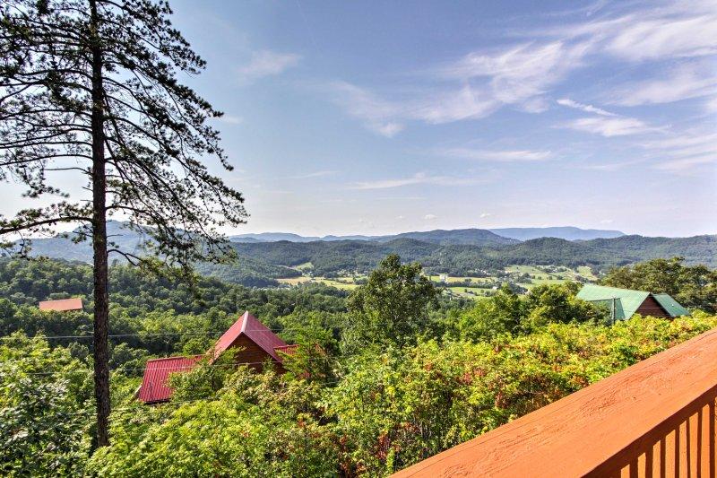 La propiedad está situada en la hermosa desgasta la zona del valle, con fácil acceso a Pigeon Forge y sus alrededores.