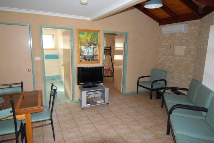 Yot Spot Apartments Unit 4 Family - Multiple nights, location de vacances à Esperance