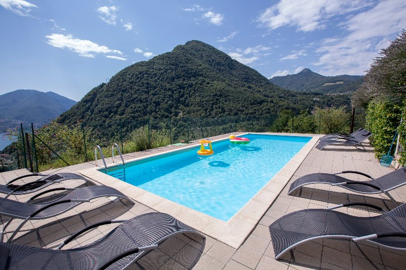 Muronico Apartment Sleeps 6 with Pool and WiFi - 5841448, holiday rental in Pigra