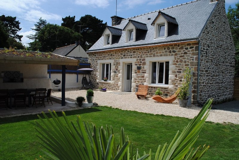 Gîte Cosy Abord Maison de Vacance Bretonne Paimpol Bréhat Mer Bretagne Calme, holiday rental in Paimpol