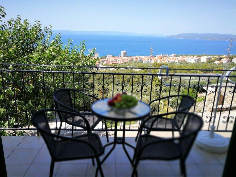 Holiday House sea view ANE -Semi-detached, alquiler de vacaciones en Makarska
