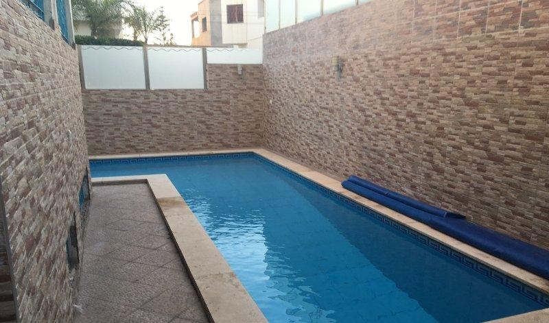 Stylish 6 bedrooms Villa with swimming pool Ref : A1052, location de vacances à Agadir