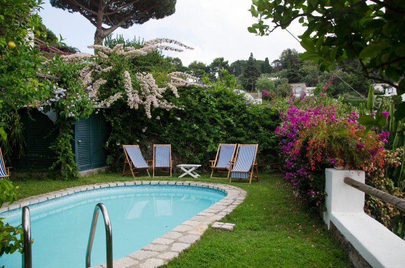VILLA IN THE HEART OF CAPRI, location de vacances à Capri
