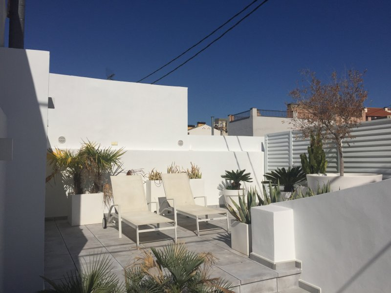 Penthouse Tres Monges : Old Town-Rebuild-Terrace, vacation rental in Alicante