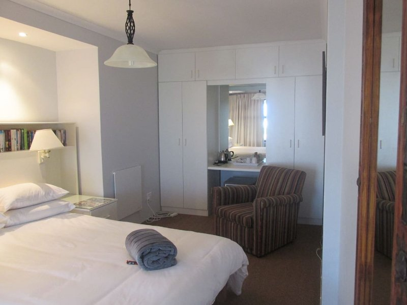 Casa Del Mar -(Room 2) 214-7th Street Voelklip, alquiler de vacaciones en Overberg District