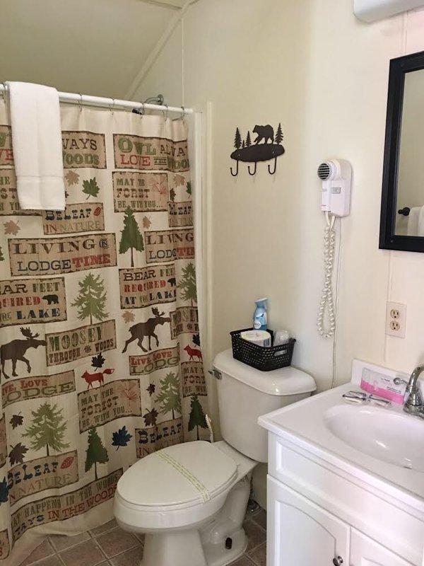 Bagno con doccia / vasca combinata