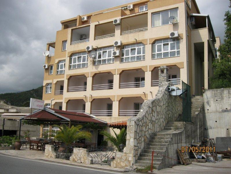 Apartament 35, casa vacanza a Rafailovici