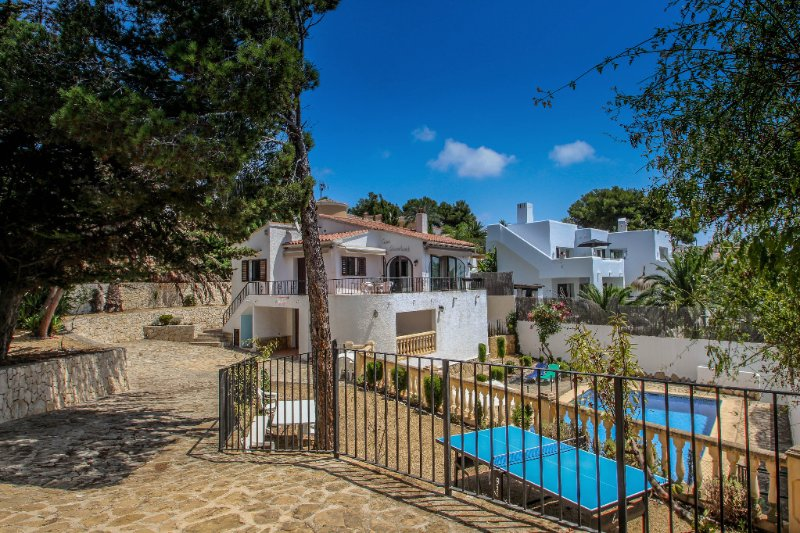 Droomland - sea view villa with private pool in Moraira, vacation rental in Benissa
