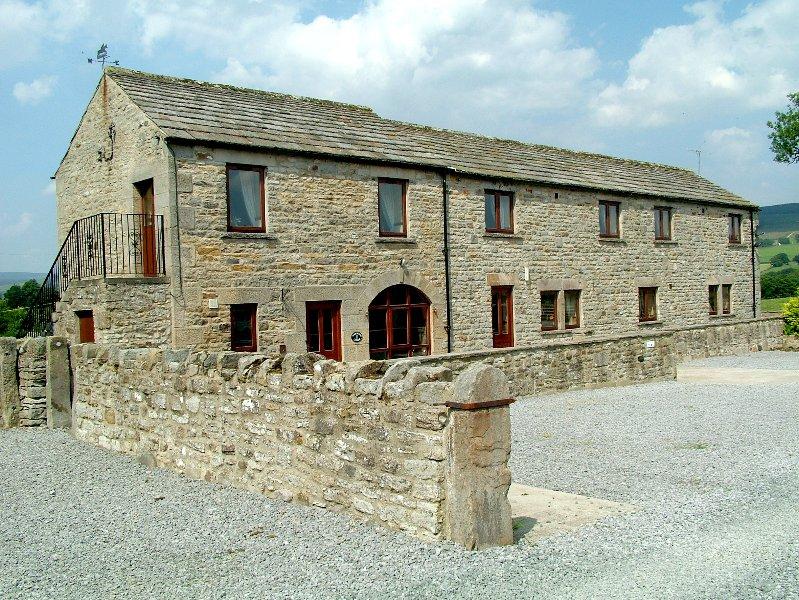 Ashwood Lodge se separaron con un amplio aparcamiento privado. Tiene preciosas vistas. gran patio y jardín