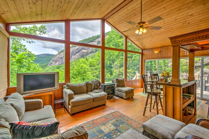 Mountain Home w/ Deck, 1 Mi to Ski Sapphire Valley, casa vacanza a Cashiers