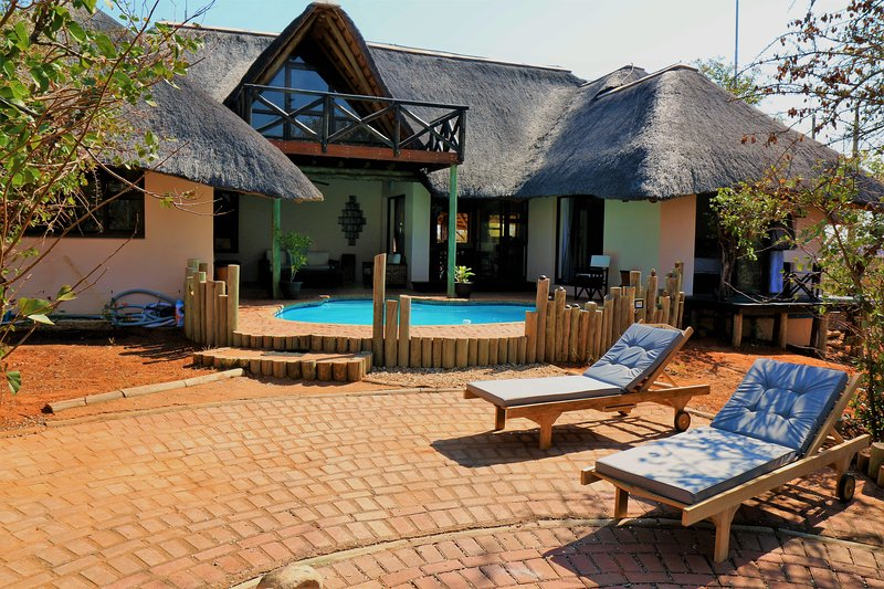 Lions Place Bed & Breakfast, vacation rental in Makalali Private Game Reserve