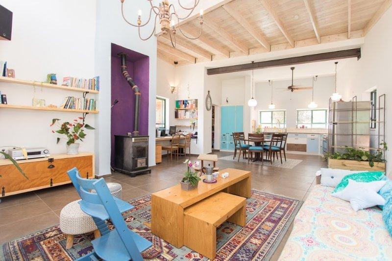 Recientemente renovado villa. Brillante, concepto abierto. hogar perfecto para el descanso y las vacaciones.