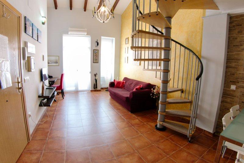 Antígüa casa de pescadores completamente renovada, holiday rental in Montroy