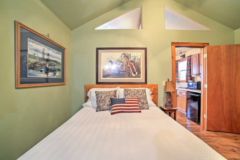 The home's plush queen bed will help your drift off into a peaceful slumber!