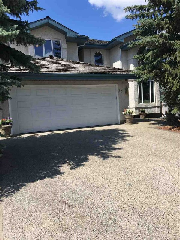 Whitemud Hills Executive Home away from home Has Internet
