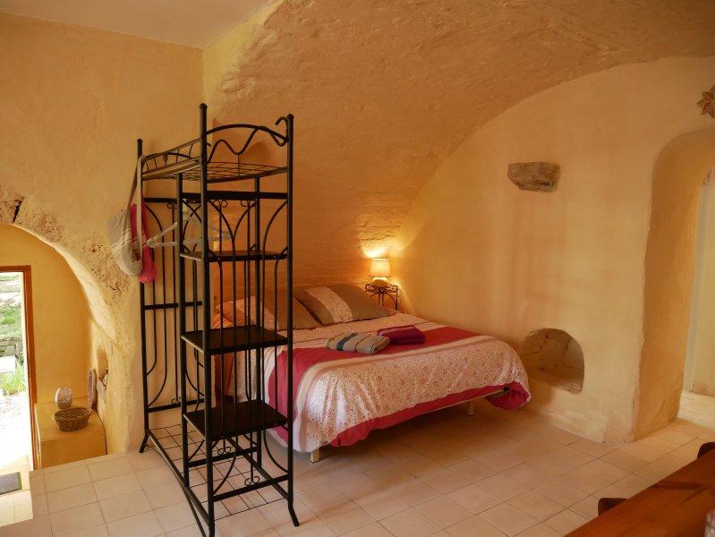 Les Gîtes Du Moulin -Le Riou-Jacuzzi privatif- Callas Var Provence, casa vacanza a Callas