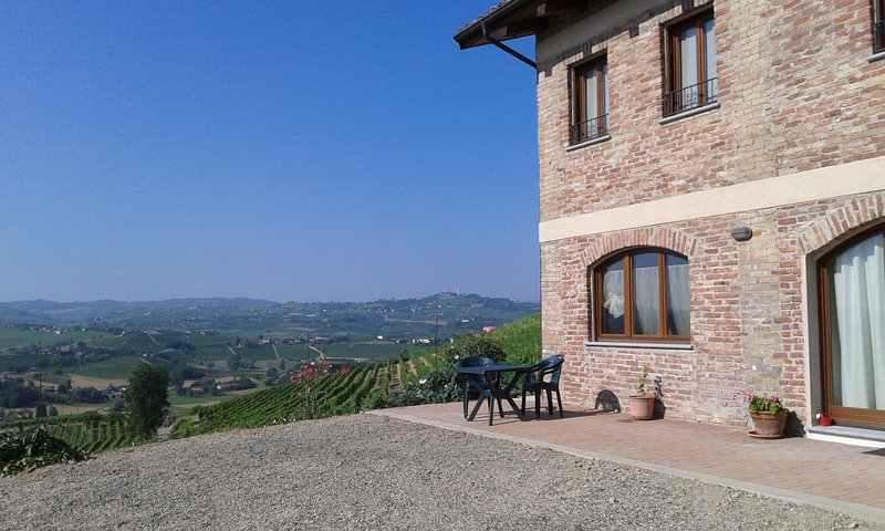 Casa Vacanze SWEET DREAMS, vacation rental in Montegrosso d'Asti