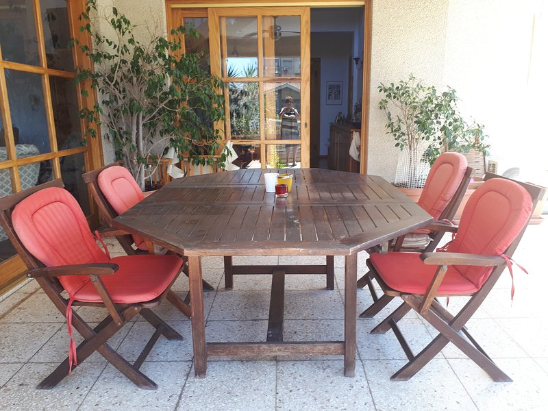 Studio Ensuite by the Beach, holiday rental in Agios Athanasios