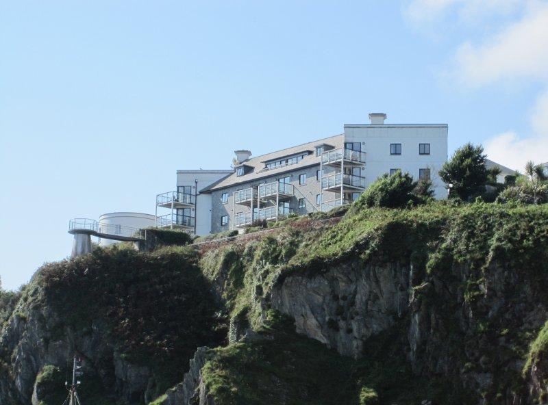 Olhando para Ponto Marinho do porto abaixo (o menor varanda é o seu)