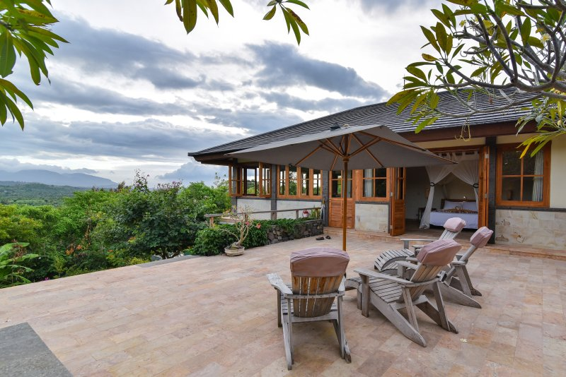 Villa Nandini, Sumberkima Hill, Ferienwohnung in West Bali National Park