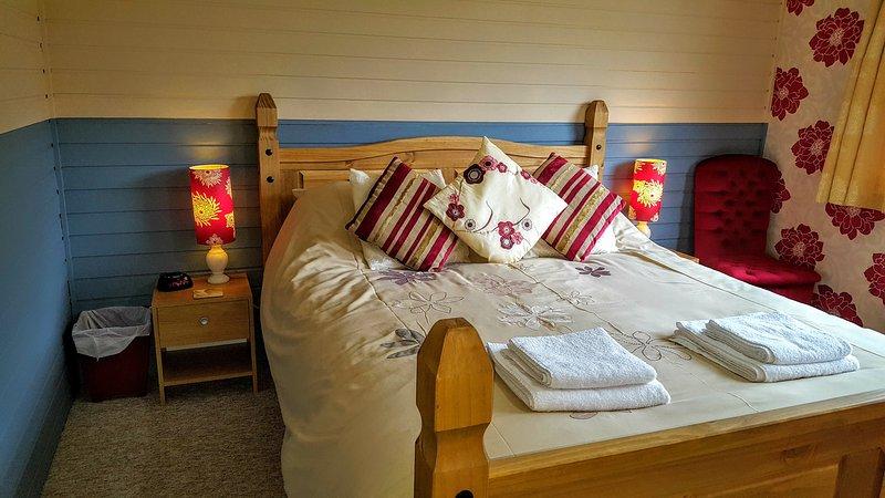 Kingsize Master Bedroom Lodge 5