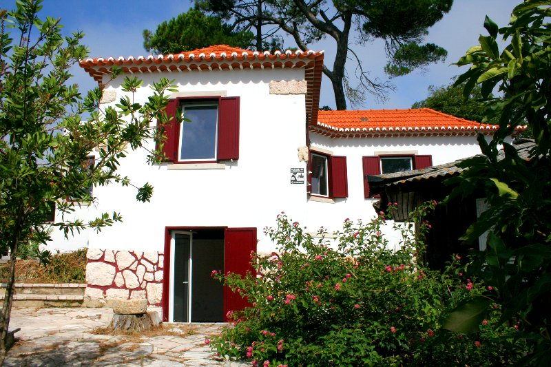 CASA DA FLORESTA Senhora da Paz, Lisboa - Sintra, holiday rental in Mem Martins
