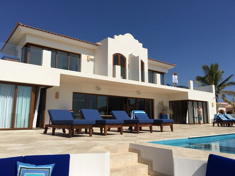 Brand new beachfront luxury on Pristine Los Frailes Beach, vacation rental in Los Frailes