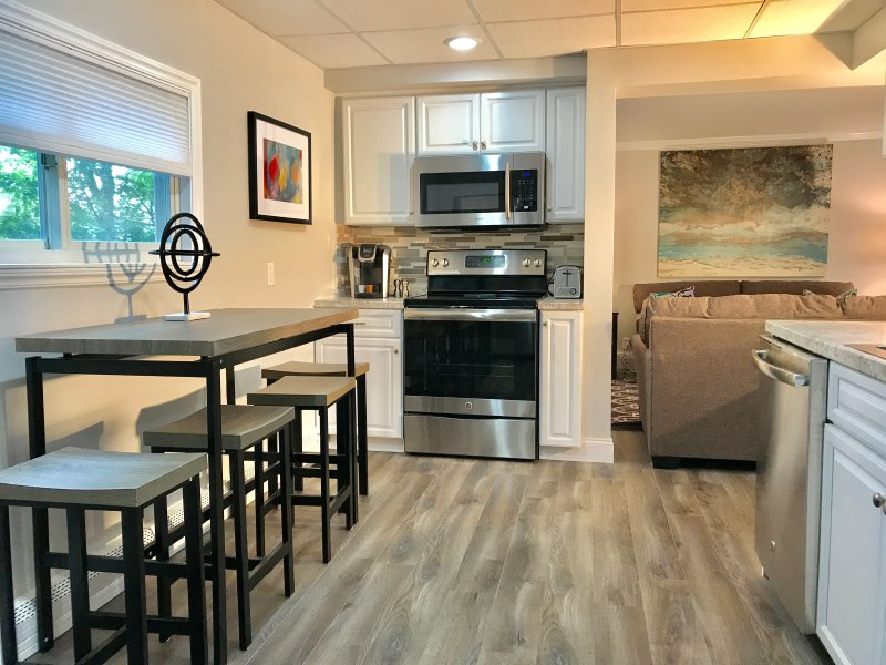 The Harbor House NEWLY RENOVATED, vacation rental in Lockport