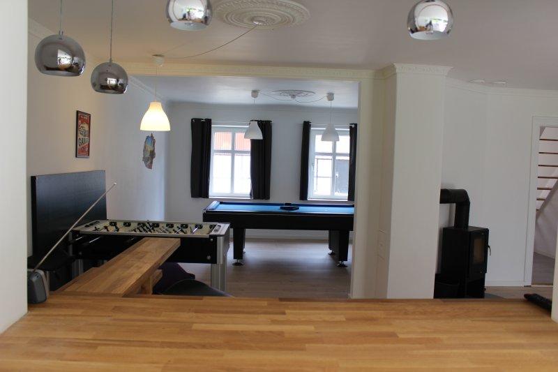 sala de actividades y la barra
