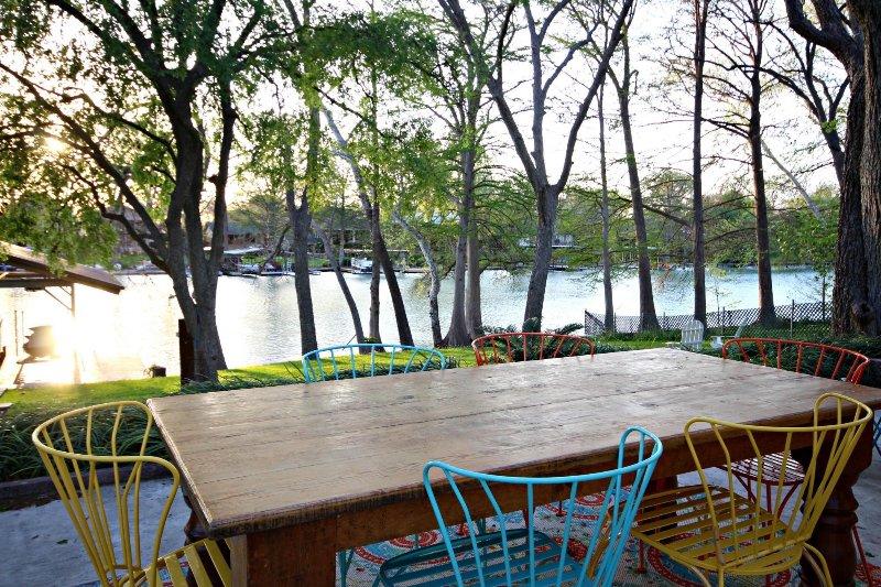 SkyRun Property - 'SUNSET LAKE HAUS' - Welcome to Lake Dunlap in New Braunfels