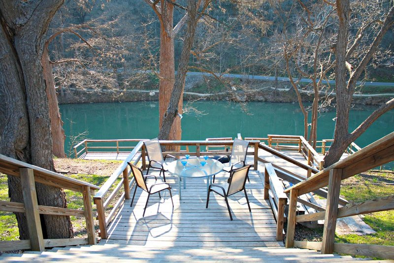 SkyRun Property - 'RIO VISTA ON THE GUADALUPE' - Large Deck with Great River Access
